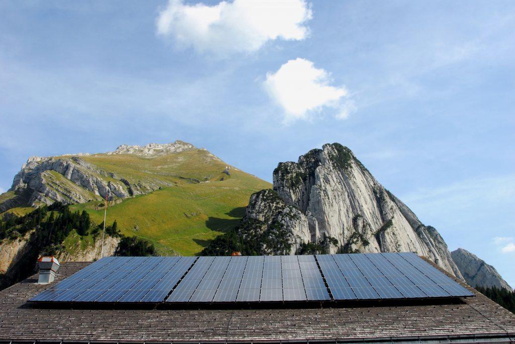 Aufdachanlage Bergstation Gamplüt Schweiz © Christine Kees, stromaufwärts Photovoltaik GmbH