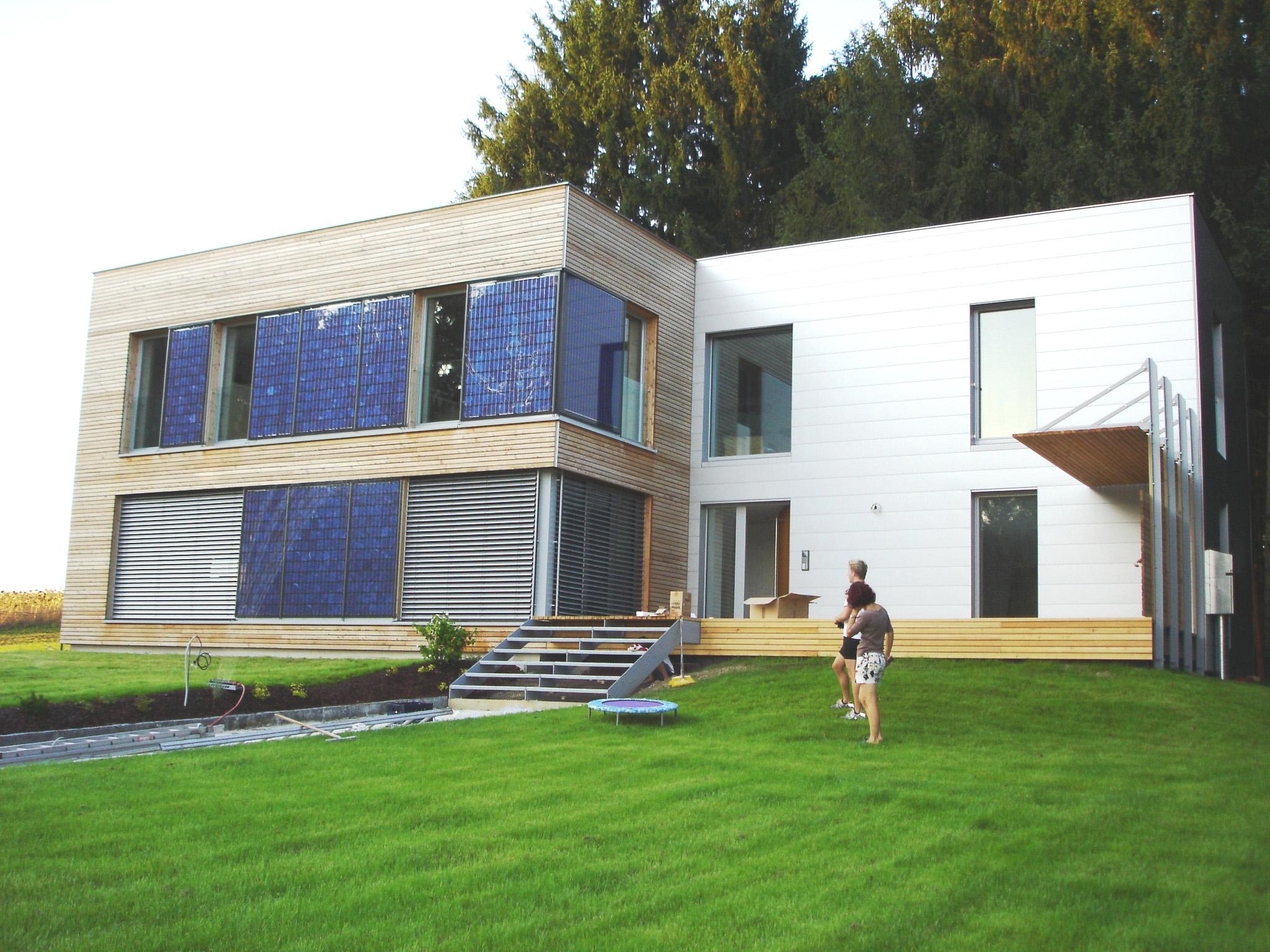 Fassadenintegrierte PV-Anlage © Ertex Solar